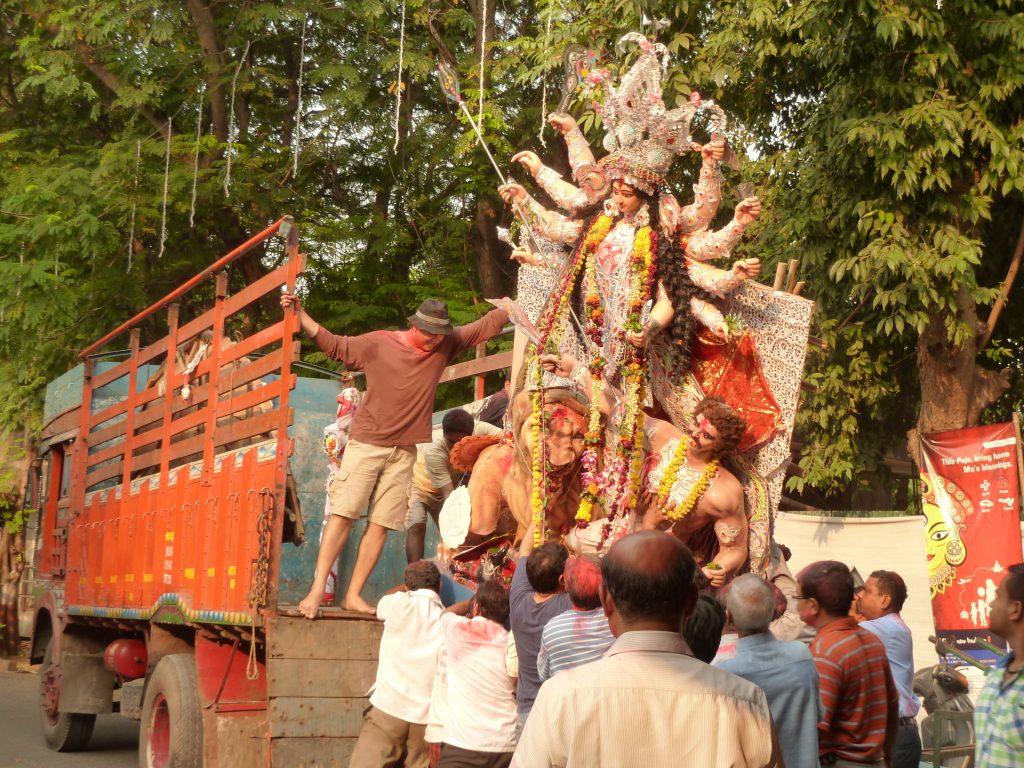 THE DURGA PUJA FESTIVAL – PAST AND PRESENT – VIA HELINÄ